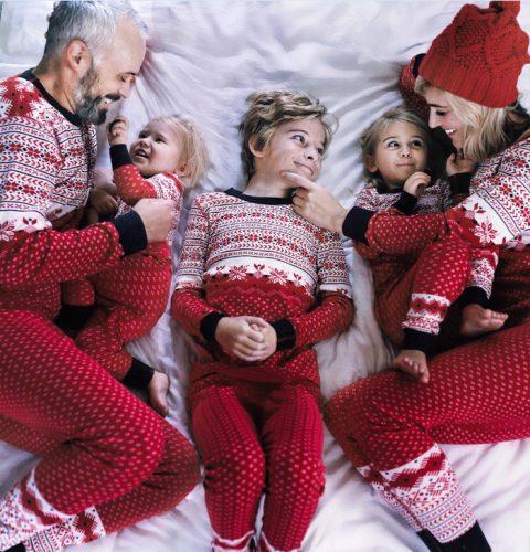 Snowflake Printed Color Block Family Christmas Pajamas