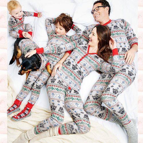 Wholesale7 Casual Snowflake Printed Family Christmas Pajamas