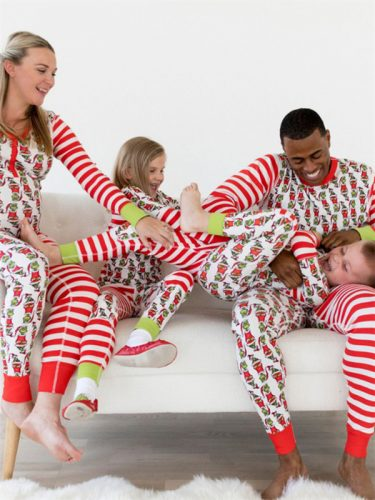 Wholesale7 Striped Printed Contrast Color Family Christmas Pajamas