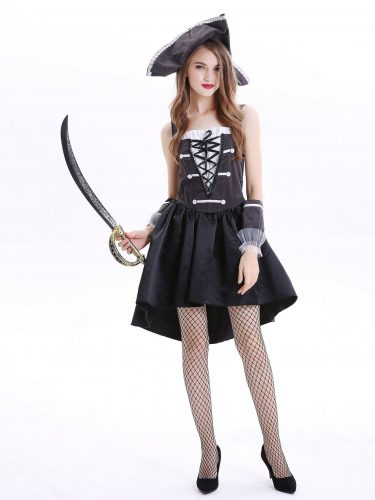 Girl dressed as a pirate