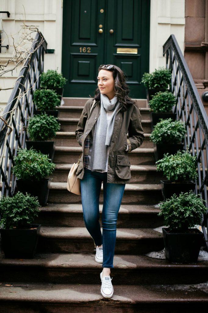 women wear armygreen outfits