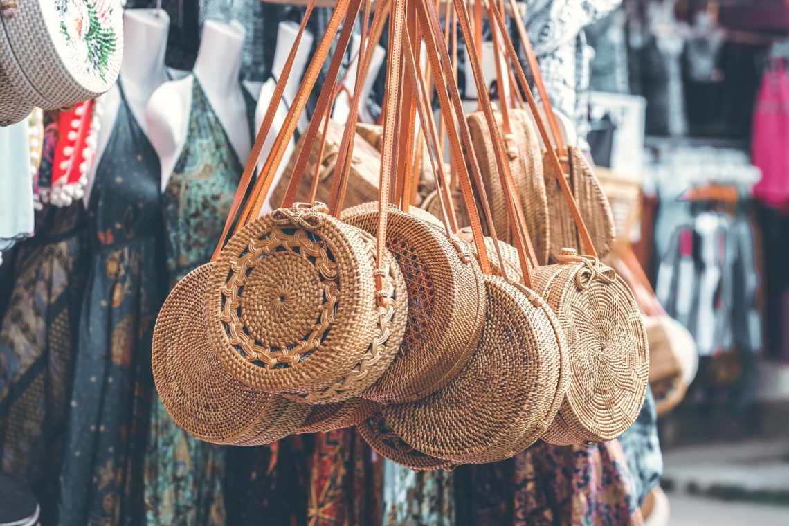 Exquisite woven straw bag