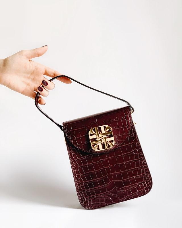 Small and exquisite crocodile leather handbag
