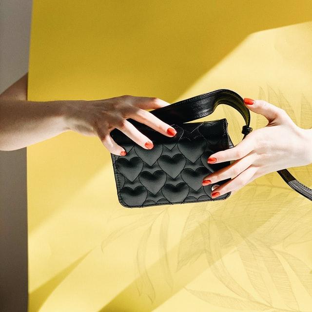 small black handbags